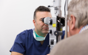 cataract-surgery-consultation